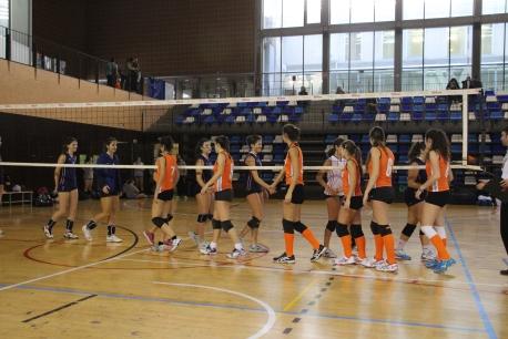 Foto inici partit Voleibol femení